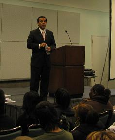 Los Angeles Mayor Villaraigosa Speaks to 300 Students at Jobing Foundation Event